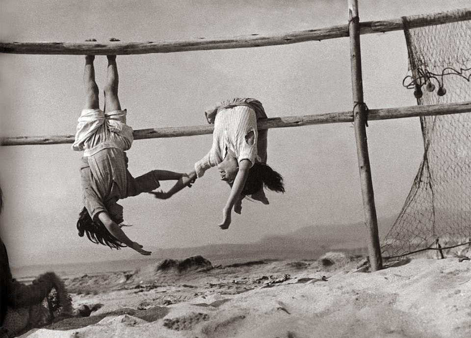 sergio larrain daughters of fishermen 1957