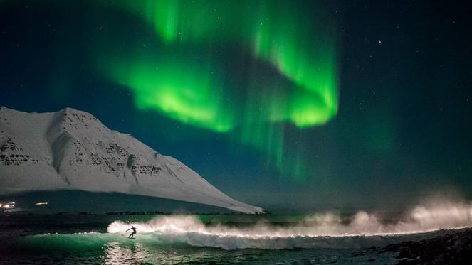 under_an_arctic_ski_258.jpeg_jpg